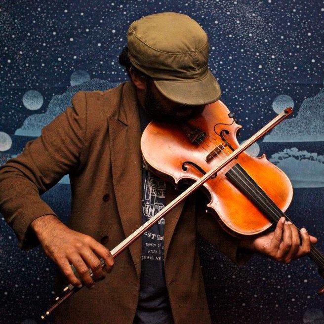 Charith Premawhardana, violin Bio