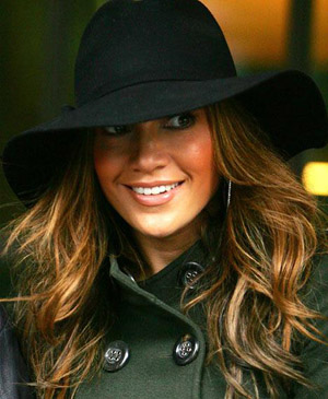 jennifer-lopez-hat.jpg