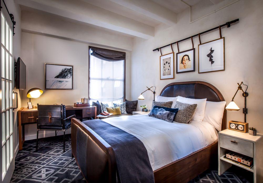 Hotel Figueroa Jr-Bed_MG_8770-Edit-Cropped.jpg