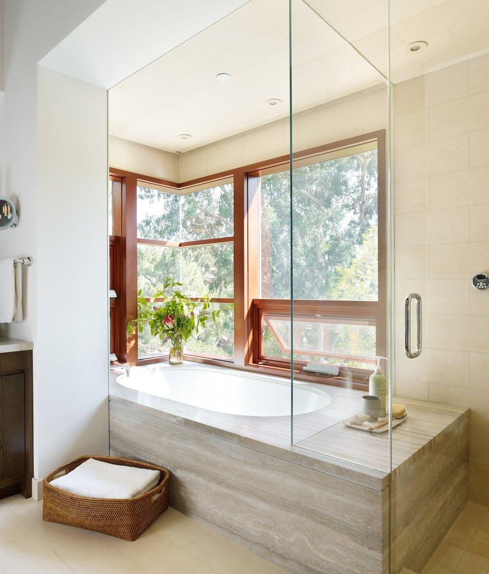 Interior_Master_Bath_Corner_DOWNSIZED.jpg