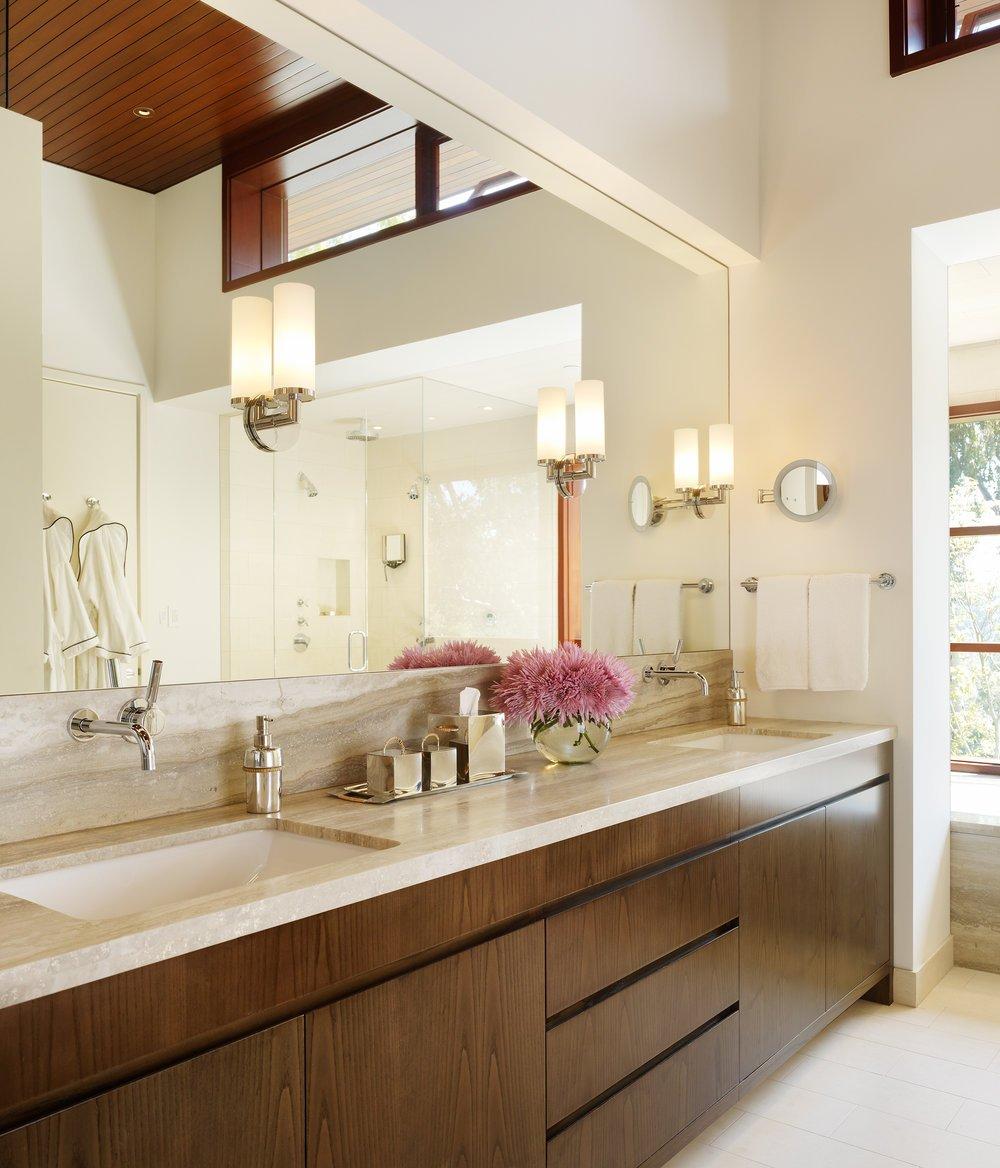 Interior_Master_Bath_DOWNSIZED.jpg