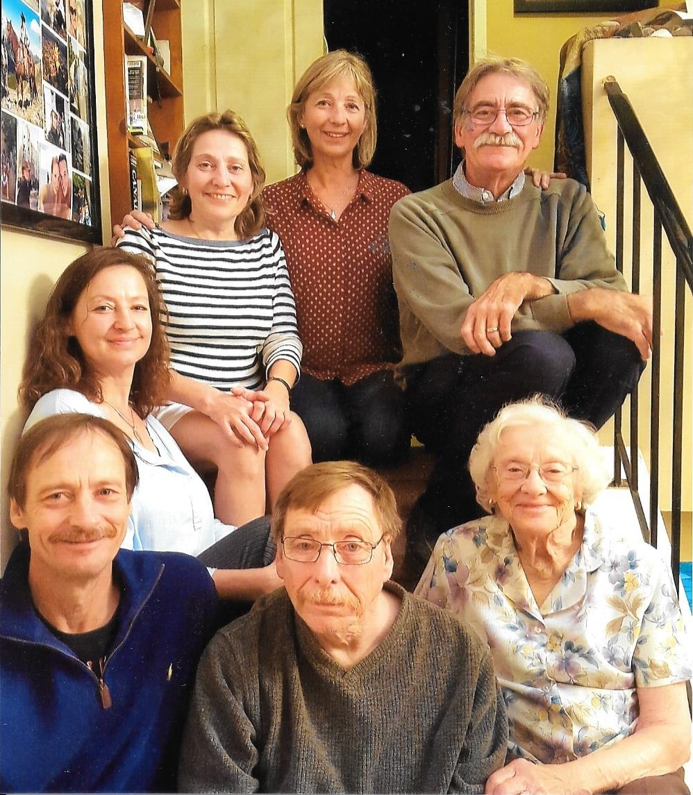 The Leamen siblings with their mom, Thanksgiving 2016: clockwise starting with Randy (mustache), Martha/Grandma, Eddie, Barry L, Lynne, Cheryl, and Gail.
