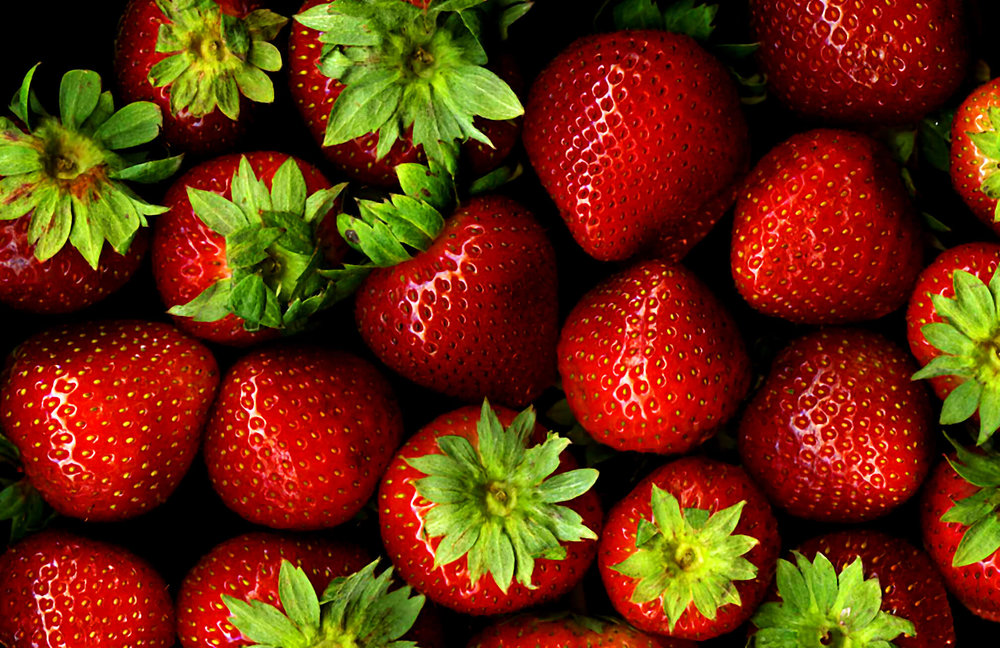 red-food-fruit-strawberry-berry-bravo-berries-strawberries-fresh-scan-stems-supershot-20070830scan011-985581.jpg
