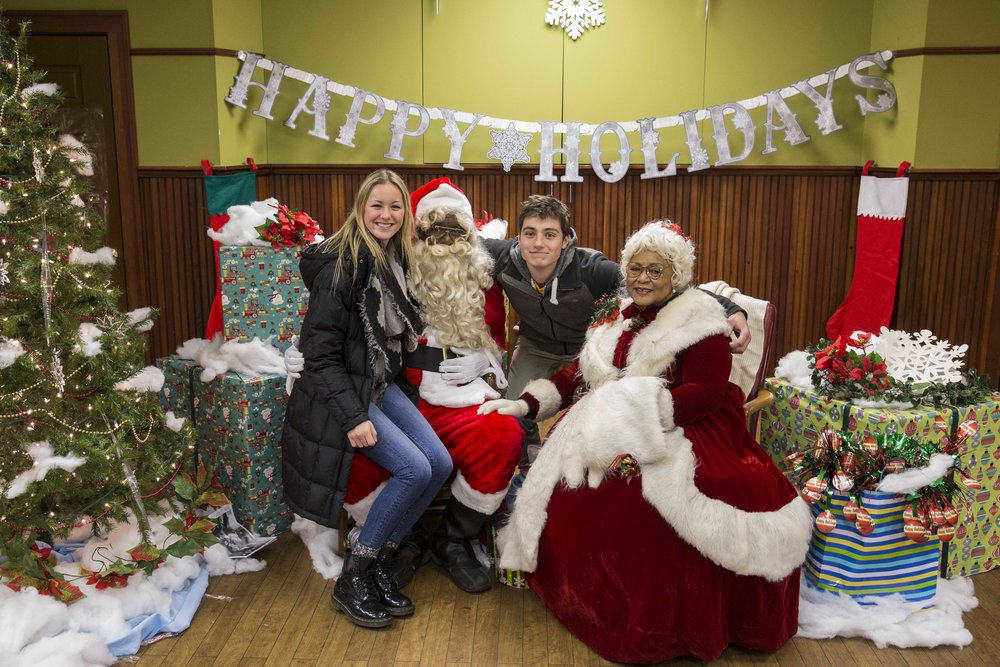 Santa and Mrs. Claus at the Detroit Historical Museum
