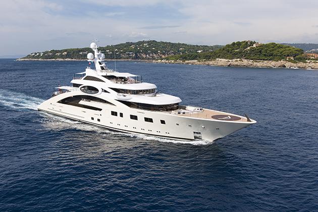 Ace-Winch-Super-Yacht-World-2