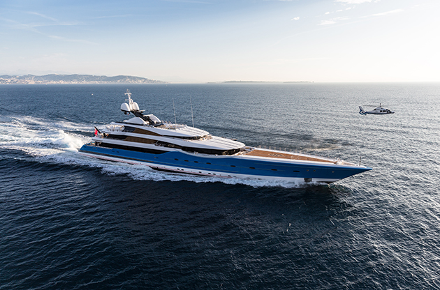 Madame-Gu-Winch-Super-Yacht-World2