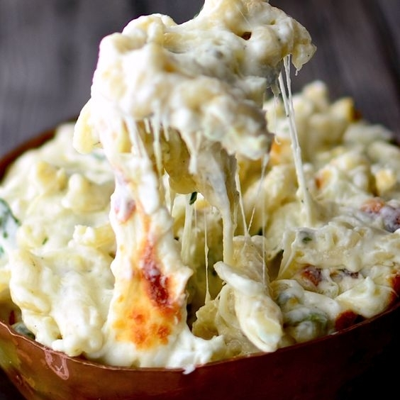 Spinach Artichoke Macaroni & Cheese