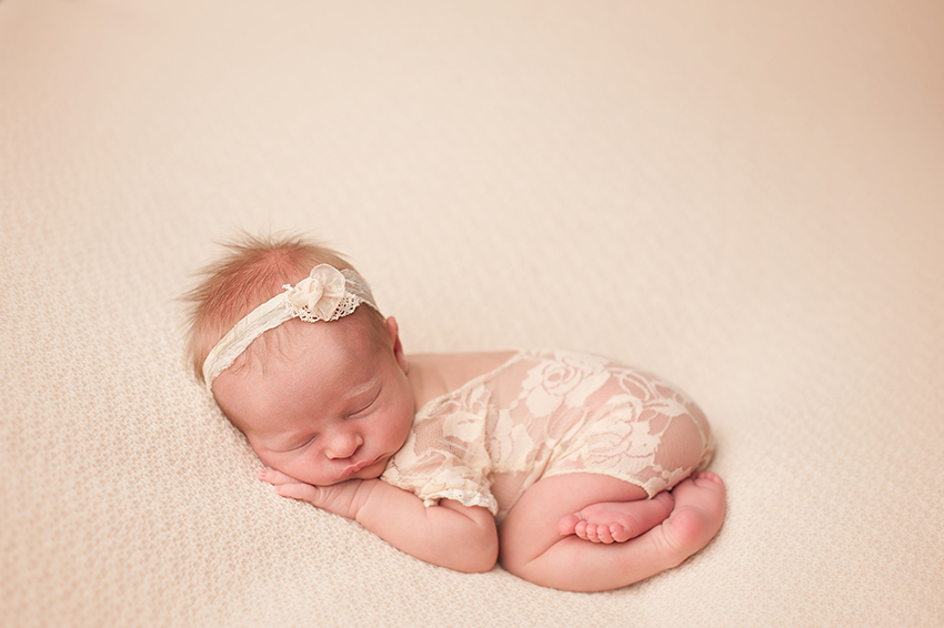 best_newborn-photographer-columbus.jpg