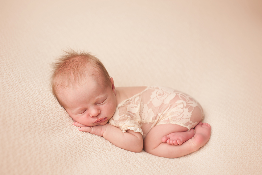 best-newborn-photographer-ohio.jpg