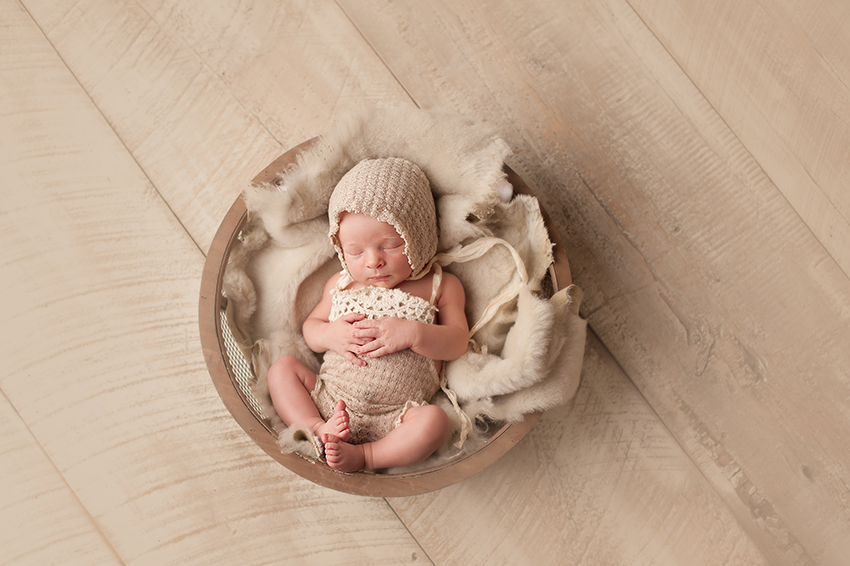 newborn-photographer-columbus-oio.jpg