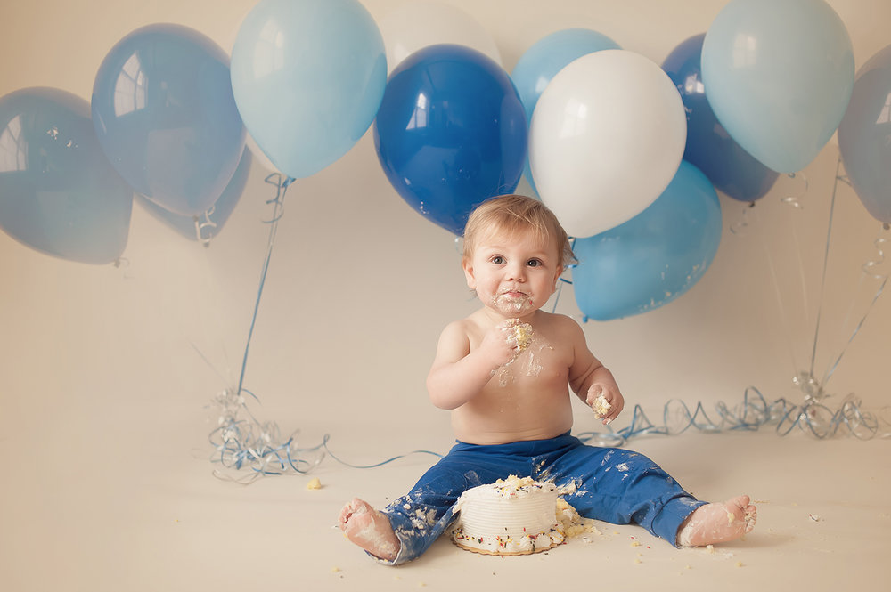 cake-smash-one-year-pictures-bare-baby-photography.jpg