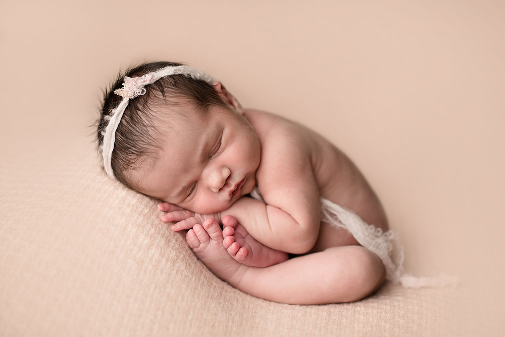 upper-arlington-newborn-photographer.jpg