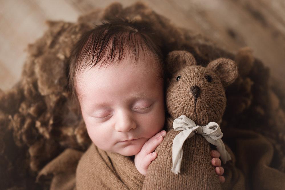 colulmbusohio-newborn-photography-barebabyphotography.jpg
