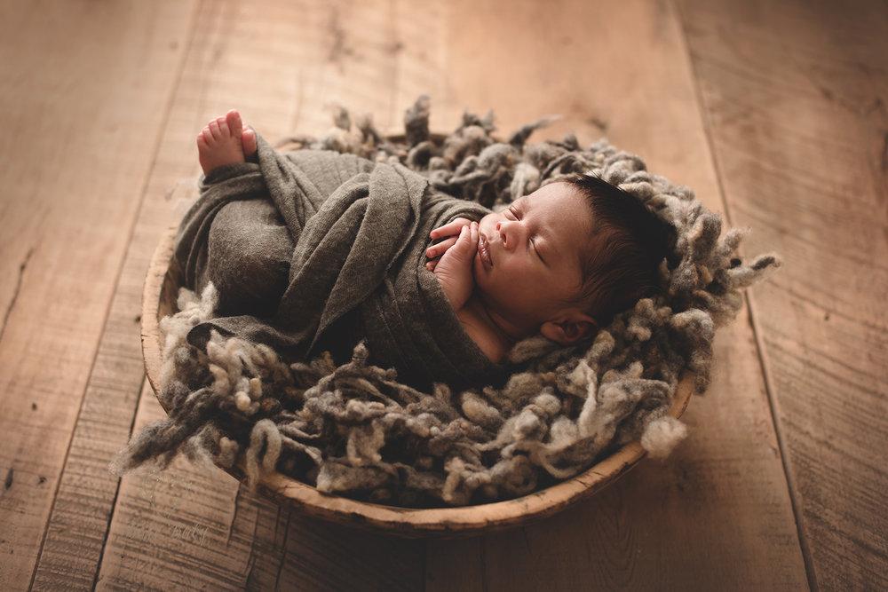 bexleyohio-newborn-photographer.jpg