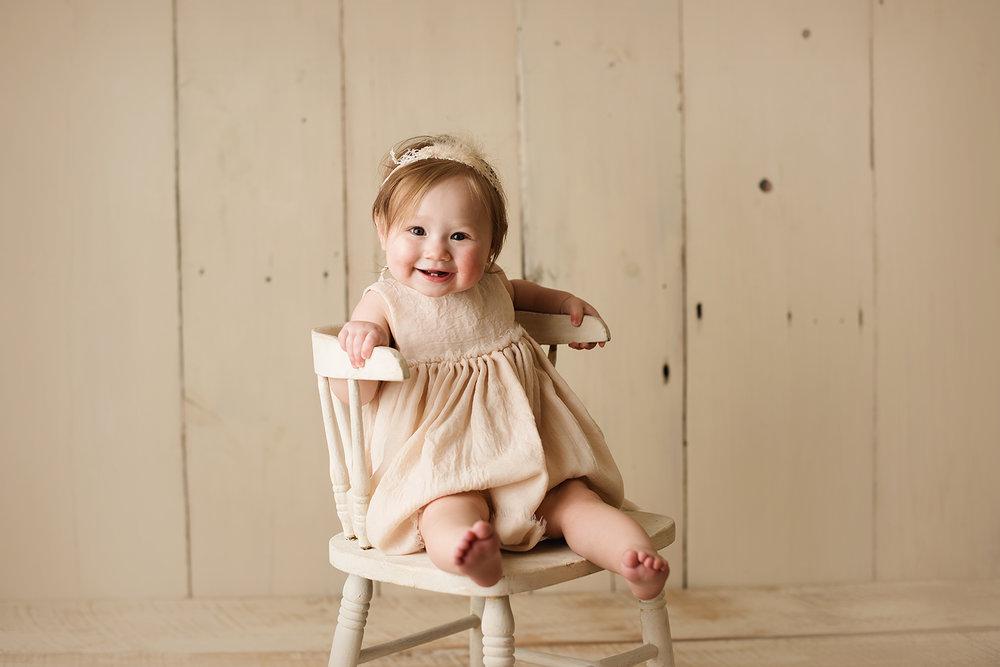columbusohio-newbornphotographer.jpg