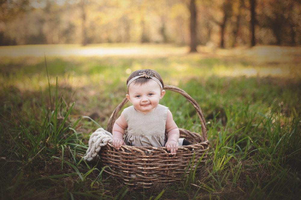 baby-milestone-photos-columbusohio-barebabyphotography.jpg