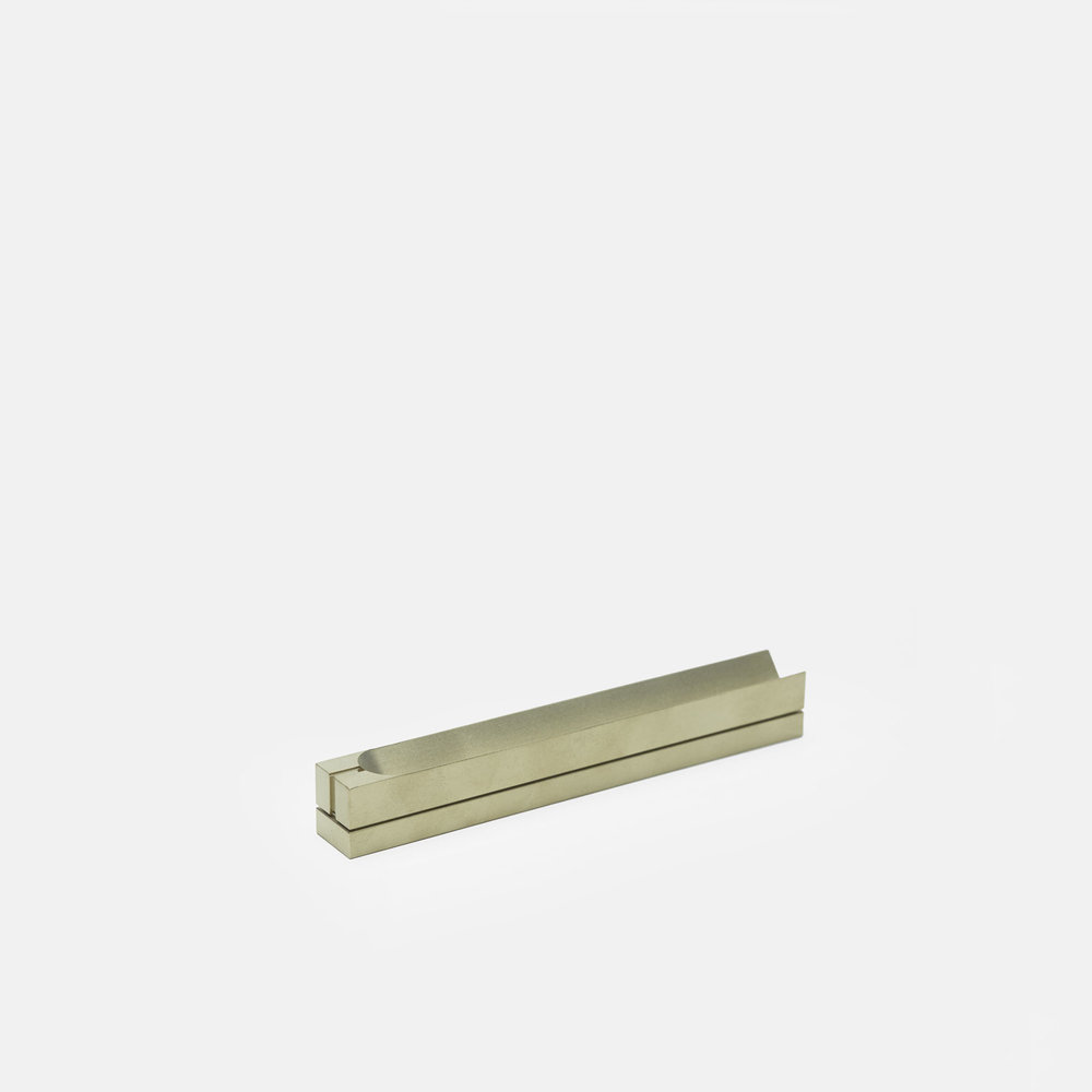 NARROW BOX BURNER Satin Brass