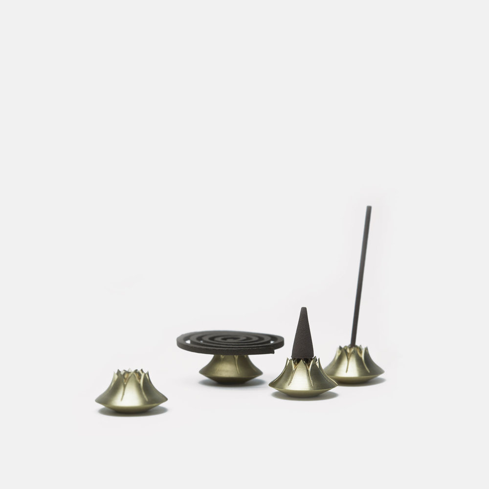 AGAVE INCENSE HOLDER   Satin Brass