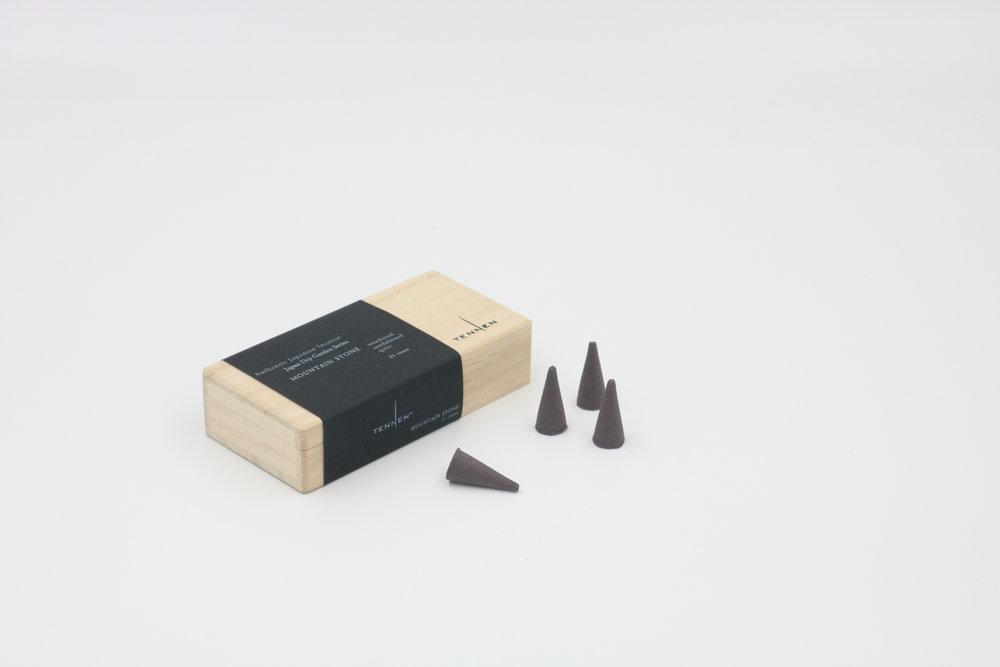 Japan Dry Garden Series    MOUNTAIN STONE   weathered, sandalwood, quiet   cone box of 21