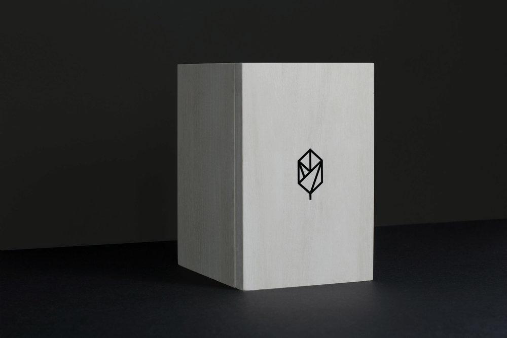 pique wood box clen.jpg