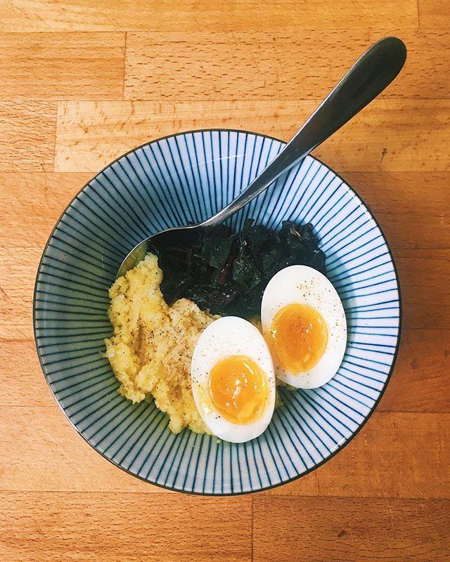 Pro tip: make too much polenta for dinner, so you can have polenta for breakfast 🤤 • • • Instant pot polenta (recipe from @bonappetitmag), sautéed beet greens, seven minute egg.