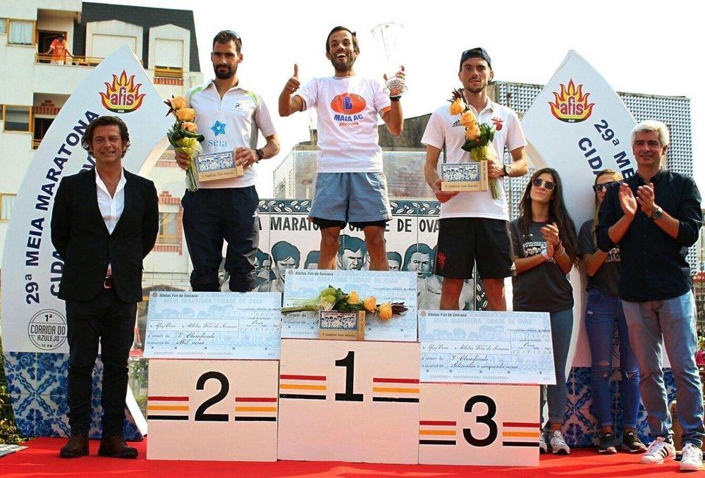 O podium da edição do não passado da Meia Maratona de Ovar, com Daniel Pinheiro (1º), Nuno Lopes (2º) e Rui Pinto (3º). Atletas que deverão voltar a marcar presença este ano.