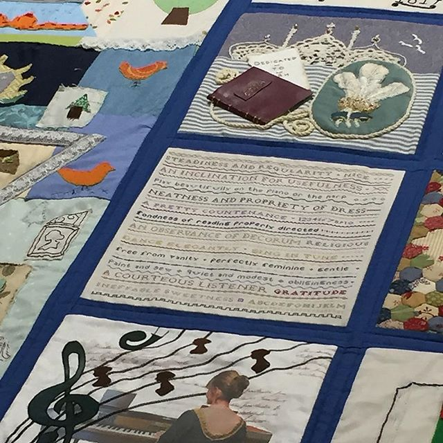 Jane Austen House Museum Quilt is on display @thefestivalofquilts It was lovely being part of this project. Thank you Kathryn @kathrynlikesthat for the photo ☺️ 🛏 🛏 🛏 @janeaustenshousemuseum #festival #quilts #life #janeausten #handstitch #text #society #manners #etiquette #sampler #bedcover #bicentenary #community #project #stitchers #embroidery #2018 #quilting #textiles #sewing