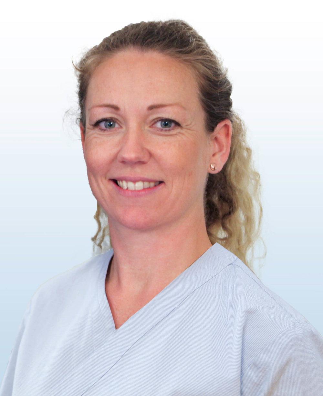 Doktorgaarden-Naprat-og-massasje-ansatte-Kari-Koss-Arnkvaern-Slaatlandet.jpg