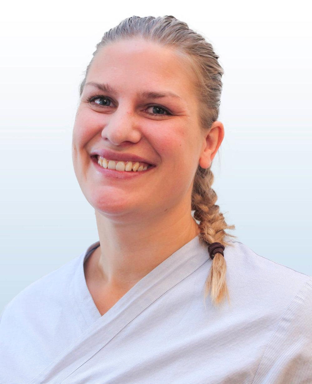 Doktorgaarden-Naprat-og-massasje-ansatte-Astrid-Bergseng-Kvil.jpg
