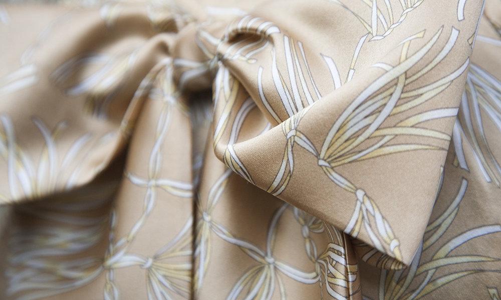 Helen_Haughey_garment_tan_bow_PetalSnap_CU_72.jpg
