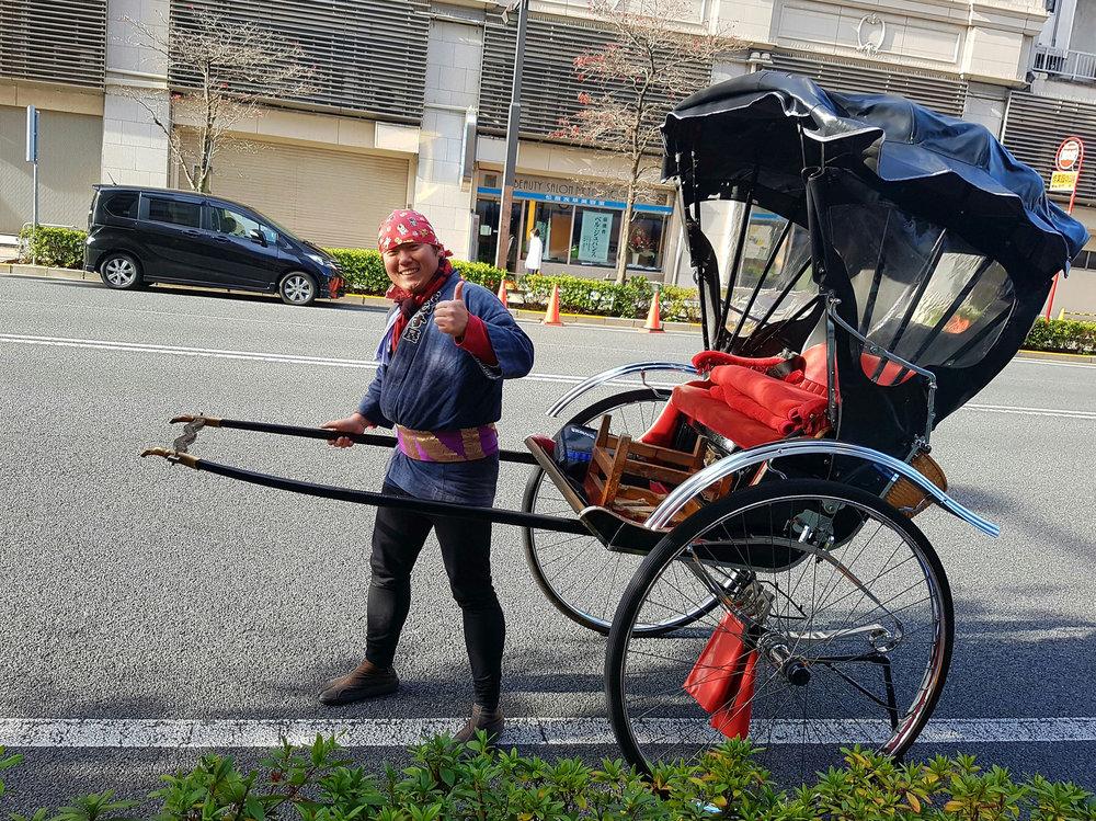 Os hickshaws aqui não tem bicicleta na frente, com esses vai no muque mesmo...