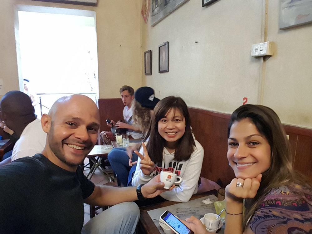 O primeiro café do Mú aos 35 anos de idade e o tradicional café com gemada do Giang Cafe