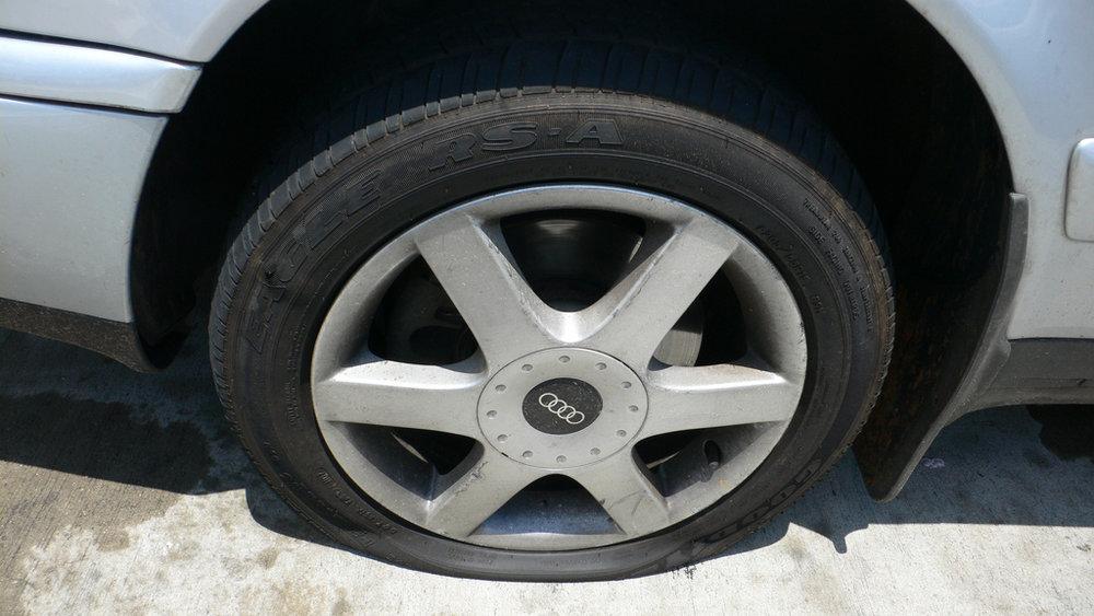 pneu-furado.jpg