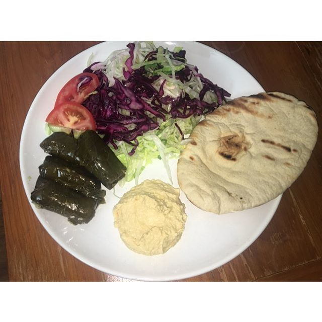 Mediterranean Lunch 😋 . . . #eeeeeats #poweredbyplants #veganfood #homemade #beautifulhealth #foodblogger #plantbaseddiet #ahealthynut #plantpowered #londonvegan #plantbased #feedfeed #bestofvegan #huffposttaste #whatveganseat #healthyfoodshare #cleaneating #eatclean #lifeandthyme #thatsdarling #wholefoods #veganfoodshare #abmlifeissweet #cleaneats #vegansofig #latepost #grateful #veganism #mediterranean
