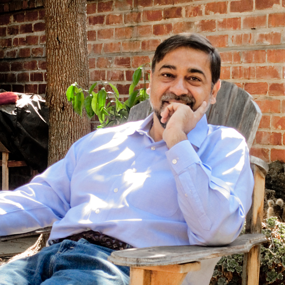 Vivek-Wadhwa-Lounging-Around.jpg
