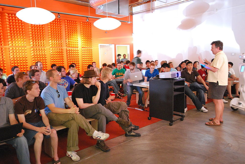 1024px-Paul_Graham_talking_about_Prototype_Day_at_Y_Combinator_Summer_2009.jpg