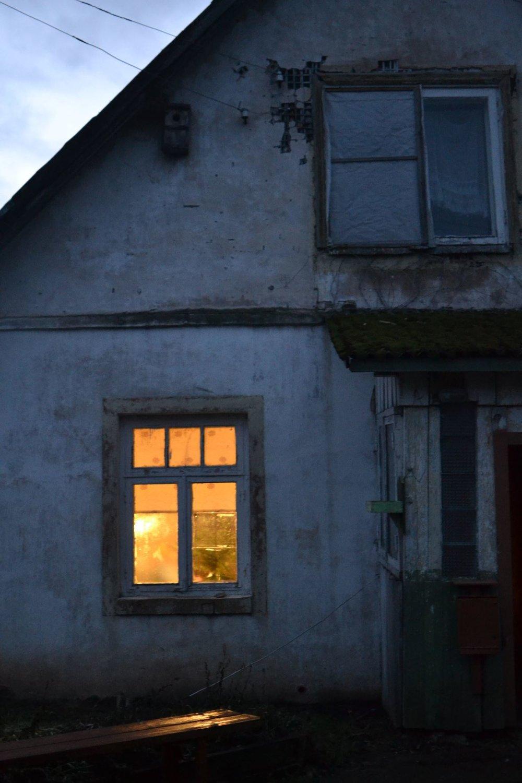 20. Hus på kvällen.jpg