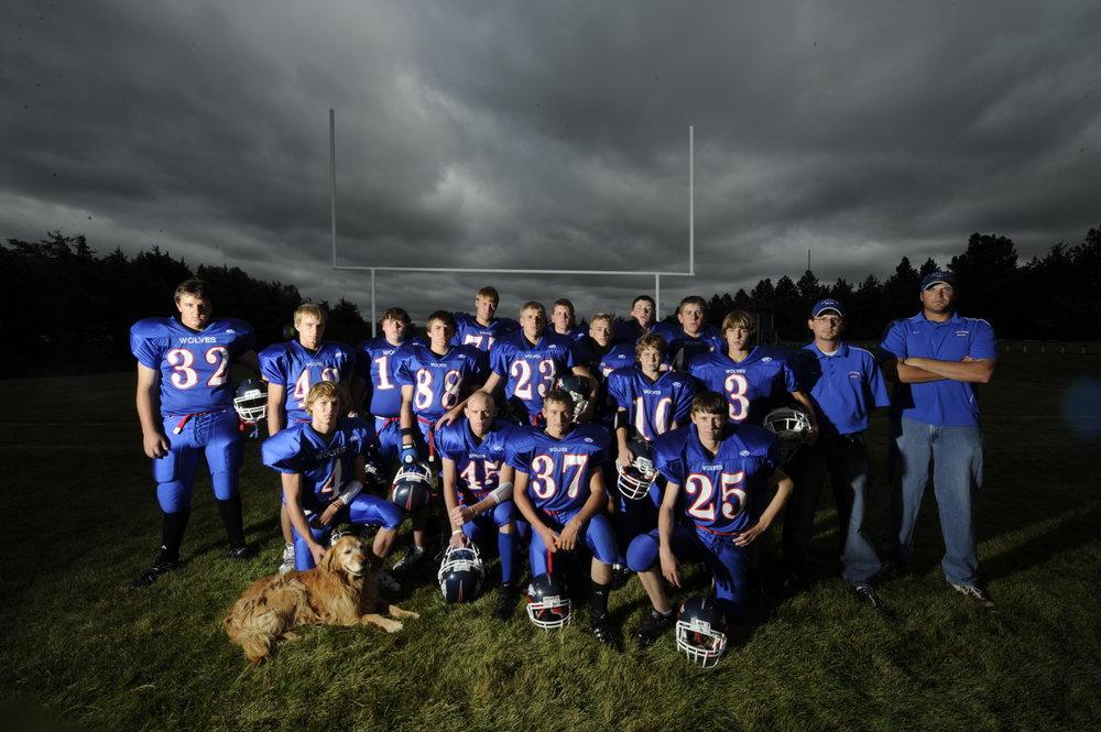 A team portrait of the 2008 Arthur County Wolves.