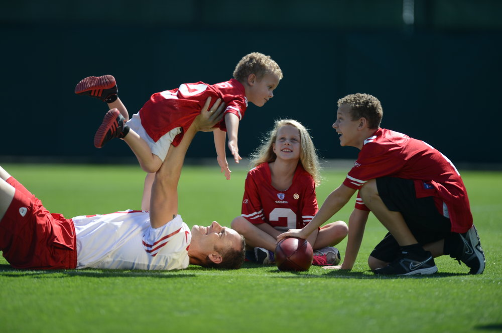 David Akers with his kids, Luke, Sawyer and Halley.