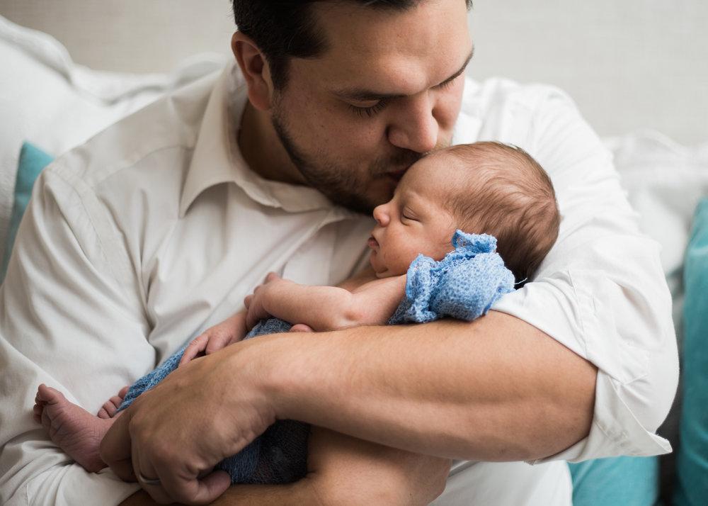 NewbornPhotography | Utah Photography | Utah Newborns| Newborn Lifestyle| Utah| Love | Newborn | Dellany Elizabeth | Pose ideas |Photography | Family newborn