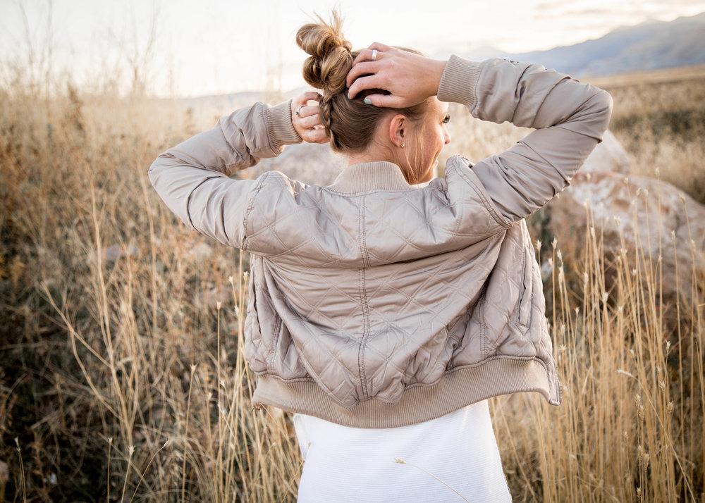Utah Lifestyle | Pose Ideas | Lifestyle | Inspiration | Lettering| Calligraphy | Lifestyle Photography | Dellany Elizabeth | Field | Fashion | www.dellanyelizabeth.com