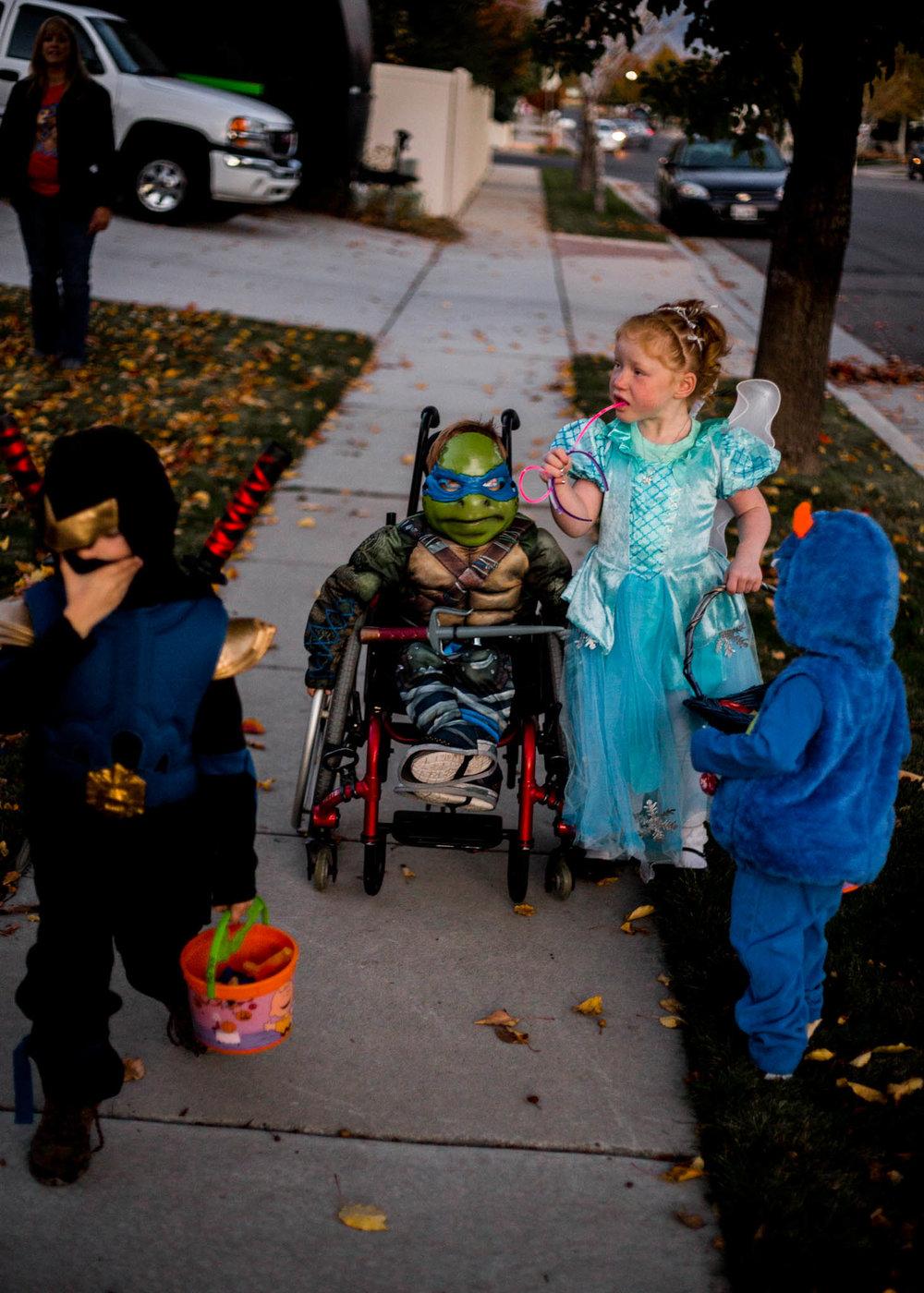 Utah Lifestyle | Pose Ideas | Lifestyle | Inspiration | Lettering| Calligraphy | Lifestyle Photography | Dellany Elizabeth | Holiday | Halloween Costume | www.dellanyelizabeth.com