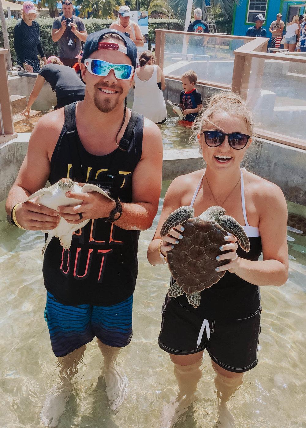 Travel Lifestyle   Travel Ideas   Inspiration   Travel Photography   Beach   Bucket List   Sledding   Dellany Elizabeth   Cayman Islands  Turtle Cove   www.dellanyelizabeth.com