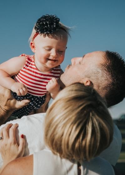 Family Photography | Utah Photography | Utah Newborns | Newborn Lifestyle | Utah | Pets | Newborn | Dellany Elizabeth | Pose ideas | Photography | Family Pose Ideas