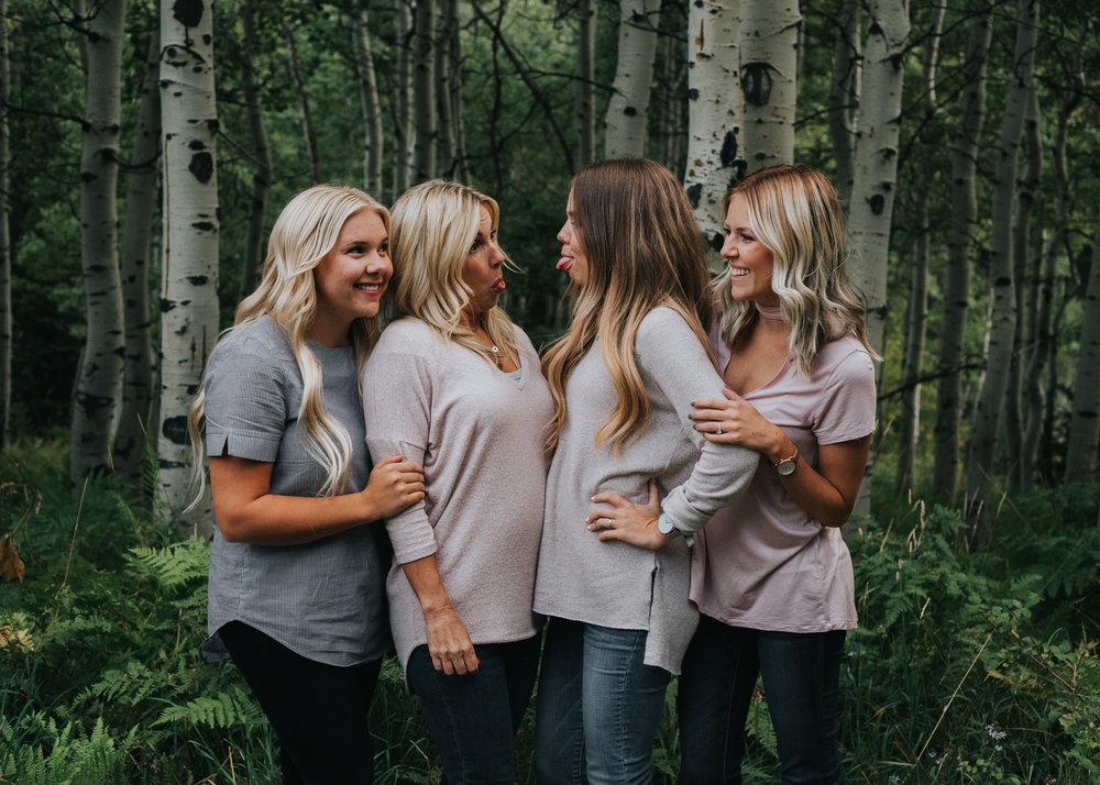 Photography | Family | Lifestyle Photography | Family photography | Utah photographer | Utah Family | Family Photography Poses | Dellany Elizabeth | Utah Blogger