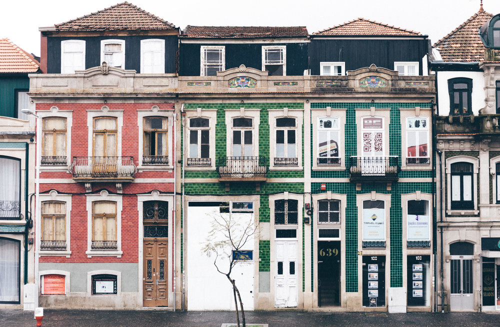 Old buildings near Casa de Musica