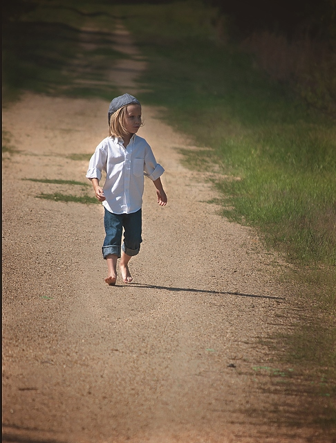 kid-walking-on-road-2592x3408_47863.jpg