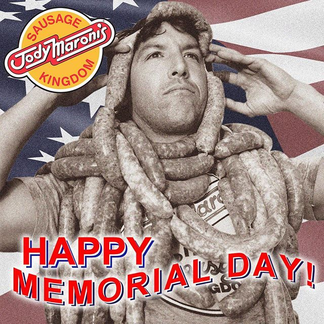 Happy Memorial Day!! 🇺🇸🇺🇸 @jodymaronis 🌭 #jodymaronis #jodymaronissausagekingdom #memorialdayweekend #memorialday #venicebeach #venicebeachboardwalk #venice #america #american #losangeles #lafoodie #hotdogs #sausages #burgers #cheeseburger #fries #chilicheesefries #sandwhiches