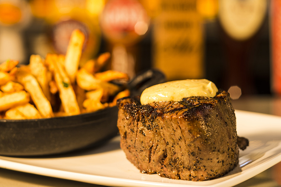 Angus Steak & Fries
