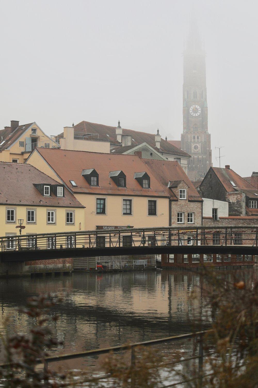 Martinskirche im Nebel